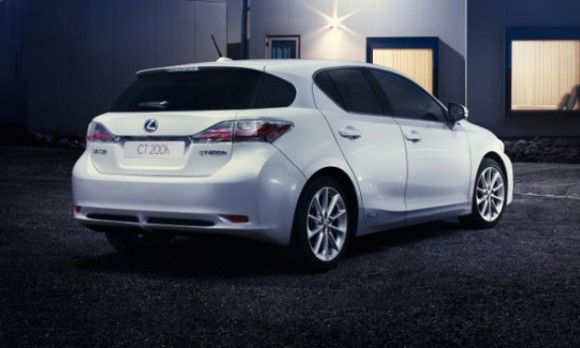 España: Lexus CT 200h Move On White Edition