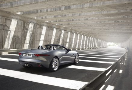 2013-jaguar-f-type_100403268_l