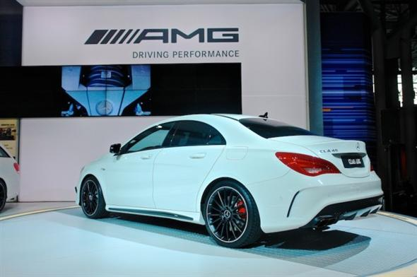 2014-Mercedes-Benz-CLA45-AMG-NYIAS-Rear-7-8-Left-627x417