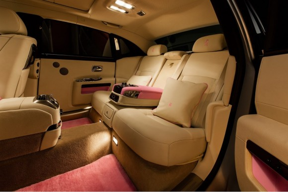 Rolls-Royce-Ghost-Pink-3[2]