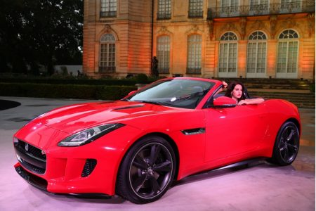 lana-del-rey-and-the-2014-jaguar-f-type_100419186_l