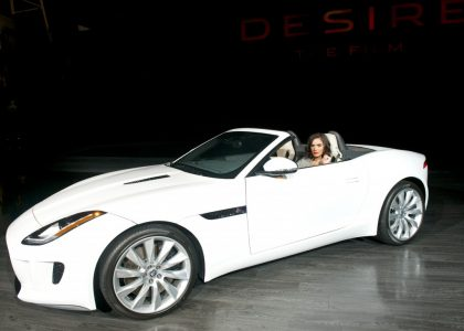 shannyn-sossamon-and-the-jaguar-f-type_100410329_l