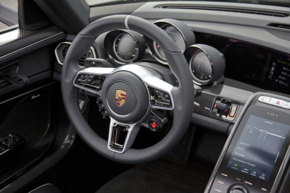 Porsche-918-Spyder-31[7]