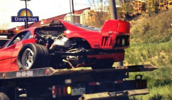 ferrari-f40-accidente-grua