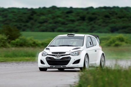 Hyundai prueba con éxito su nuevo i20 WRC