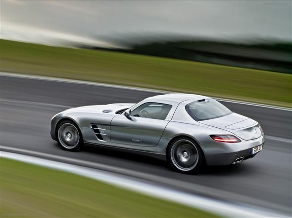 Mercedes-Benz-SLS-AMG-Gullwing-in-GranTurismo-5-03