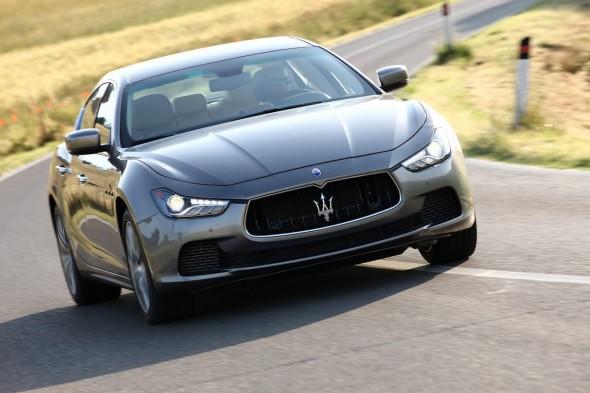 2014-Maserati-Ghibli-30[2]