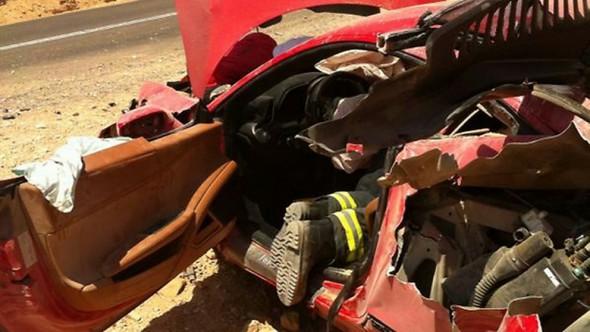 Ferrari_Crash-458-2[3]