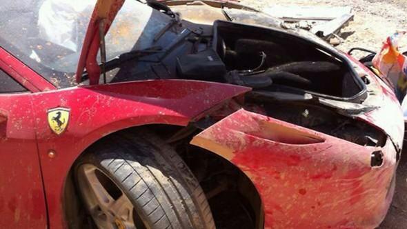 Ferrari_Crash-458-3[3]