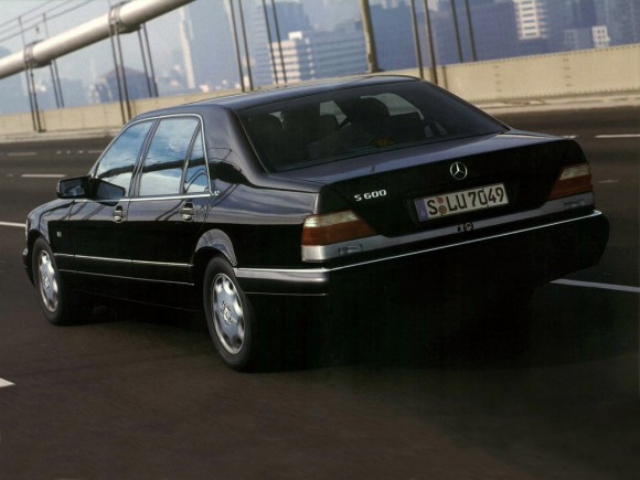 1993_Mercedes-Benz_S600_(_W140_)_005_2213