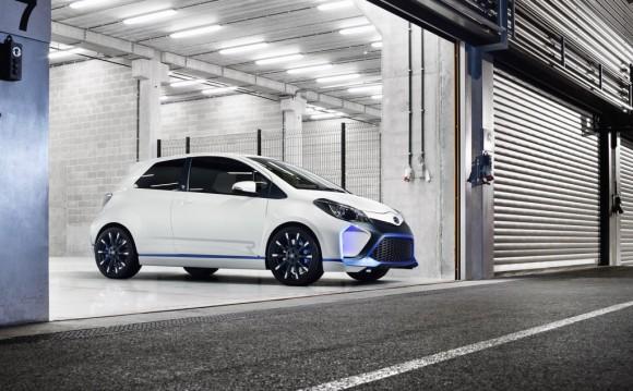 toyota-yaris-hybrid-r-concept-2013-frankfurt-auto-show_100438747_l