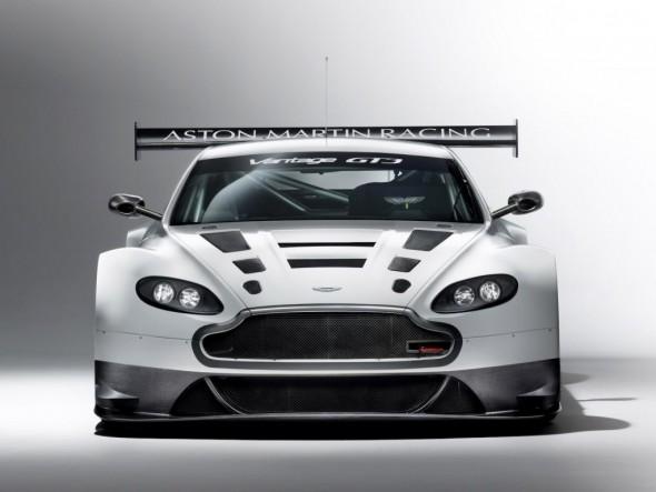 Aston Martin podría estar considerando la creación de un V12 Vantage mucho más radical 1