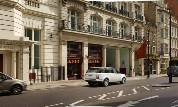 Land Rover lanza en España el Range Rover LWB 3
