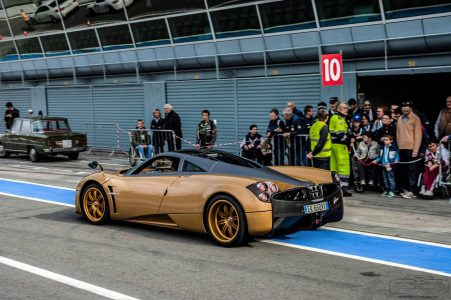 pagani-huayra-gold-edition-10