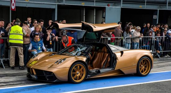 pagani-huayra-gold-edition-16