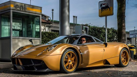 pagani-huayra-gold-edition-2
