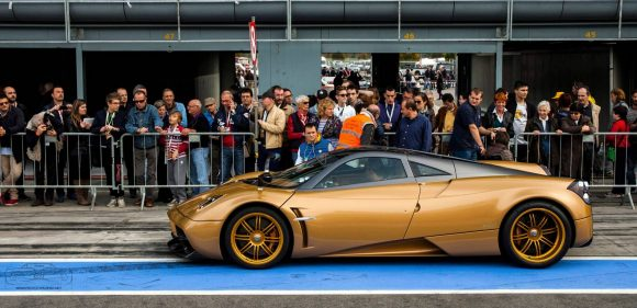 pagani-huayra-gold-edition-5