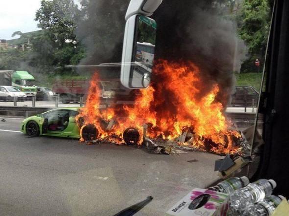 Destrozan dos Lamborghini Gallardo y un Aventador en Malasia 6
