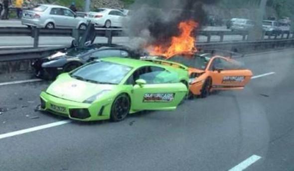 Destrozan dos Lamborghini Gallardo y un Aventador en Malasia 8