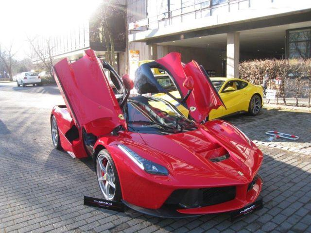A la venta el primer Ferrari LaFerrari 1