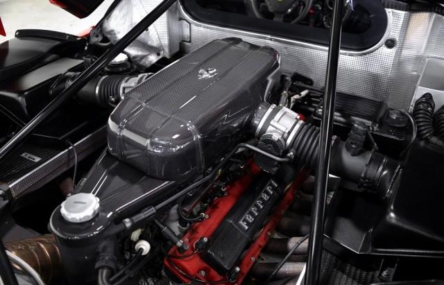 A la venta un Ferrari Enzo prácticamente a estrenar 3