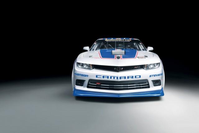 Chevrolet nos presenta el Camaro Z/28.R, una bestia que dará mucho de qué hablar 1