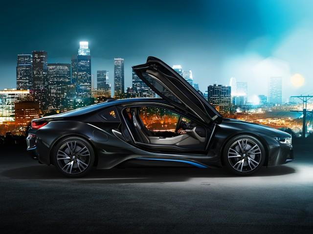 Así acelera el BMW i8