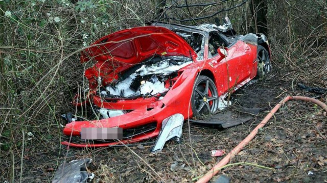 Mueren tras sufrir un terrible accidente a bordo de un Ferrari 458 Spider 1