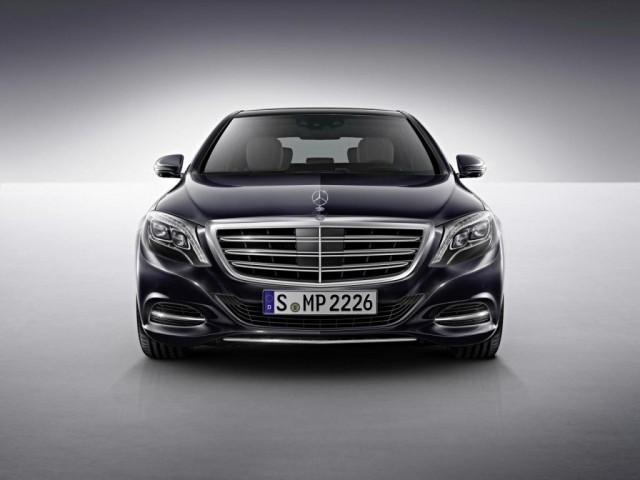 Oficial: Mercedes S600 1