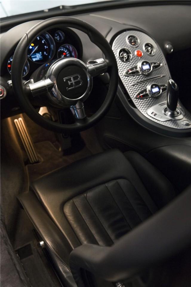 Simon Cowell vende su Bugatti Veyron 4
