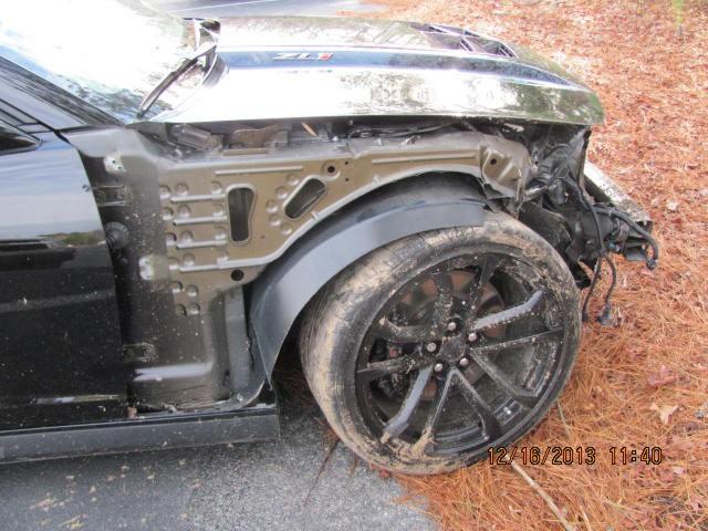 """Un mecánico destroza un Chevrolet Camaro ZL1 mientras lo """"probaba"""" 2"""