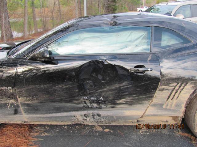"""Un mecánico destroza un Chevrolet Camaro ZL1 mientras lo """"probaba"""""""