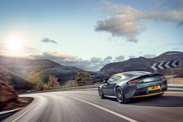 Aston Martin irá con dos ediciones limitadas a Ginebra 4