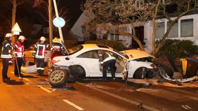 Destrozan un espectacular Mercedes CL65 AMG en Alemania 2