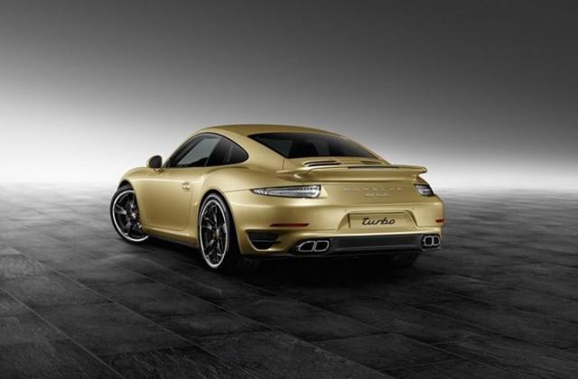 El departamento de personalización de Porsche nos muestra el 911 Turbo Lime Gold 3