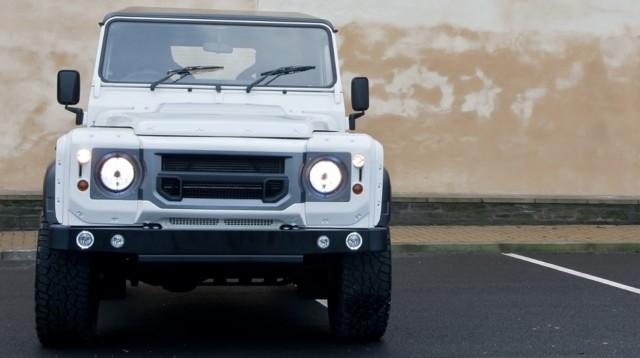 Kahn Design rinde homenaje al Land Rover Defender 3
