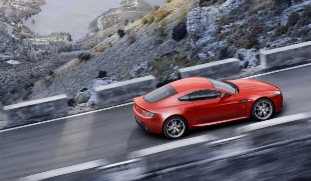 No habrá insignias AMG en los vehículos de Aston Martin 1