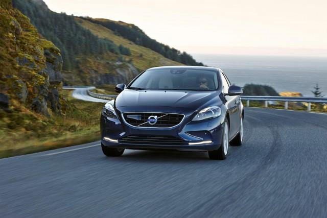 Volvo V40 D4 Drive-E: 190 CV y sólo 3,3l/100 km con unas emisiones de 85 g/km 1