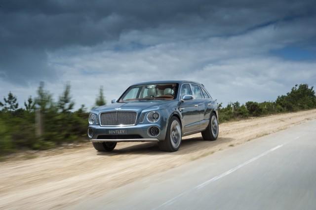 Bentley ya tiene 2.000 pedidos en firme por un SUV que aún está por llegar 1