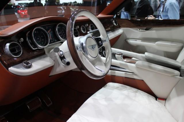 Bentley ya tiene 2.000 pedidos en firme por un SUV que aún está por llegar 2