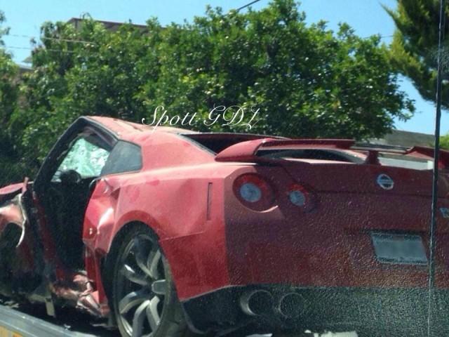 Destrozan un Nissan GT-R en Mexico 4