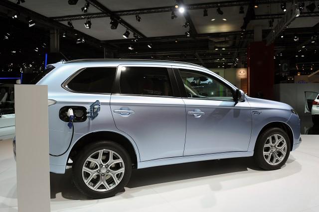 El Mitsubishi Outlander PHEV rebaja sustancialmente su precio