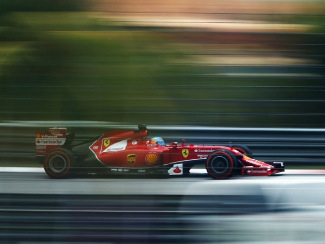 Mercedes se muestra intratable en el GP de Malasia 1