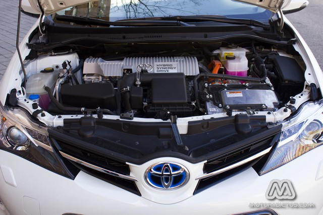 Prueba: Toyota Auris HSD híbrido (diseño, habitáculo, mecánica) 4