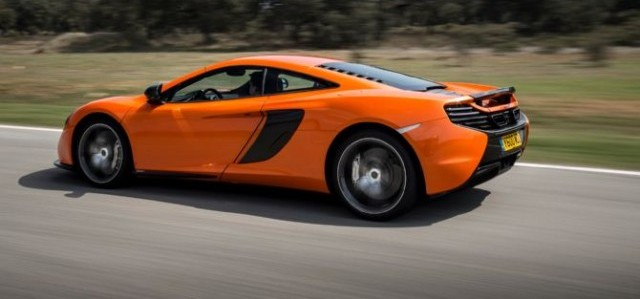 Chris Harris se sube al McLaren 650S 1