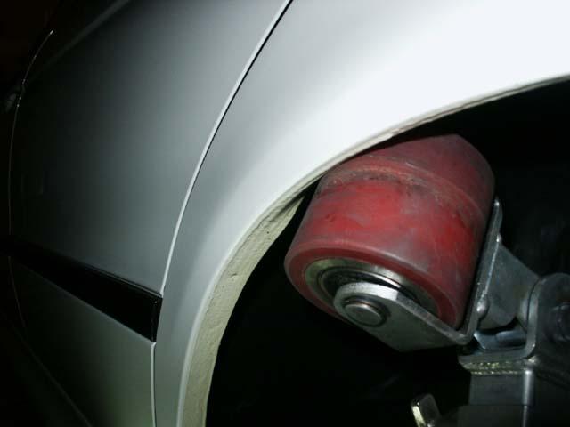 Ensanchando las aletas de nuestro coche con una máquina de abrir aletas 3