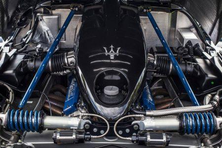 A la venta el único Maserati MC12 de color negro construido
