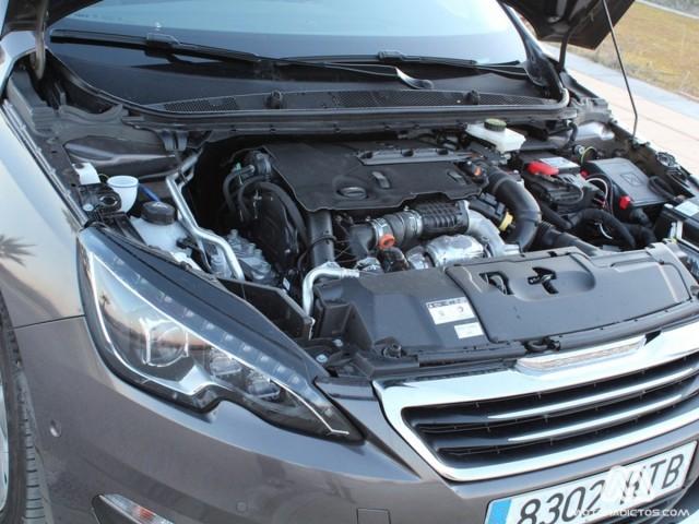Prueba: Peugeot 308 Allure HDI 92 caballos (diseño, habitáculo, mecánica) 6