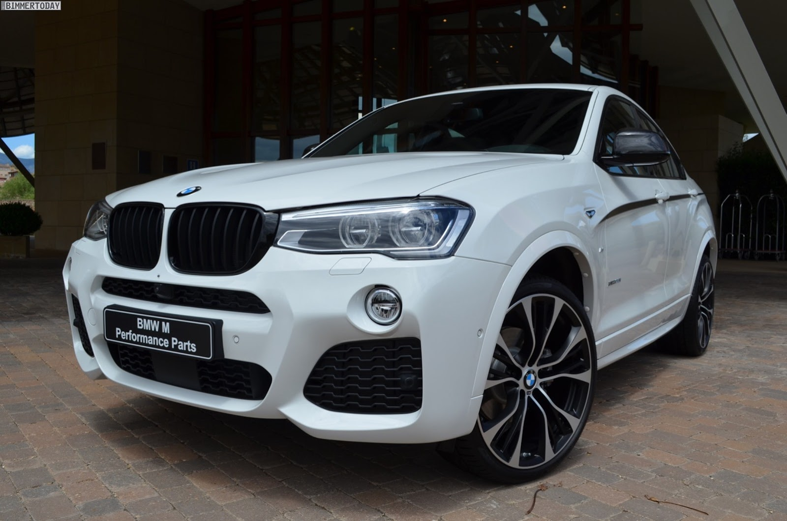 BMW-X4-M-Performance-Parts-1[2]