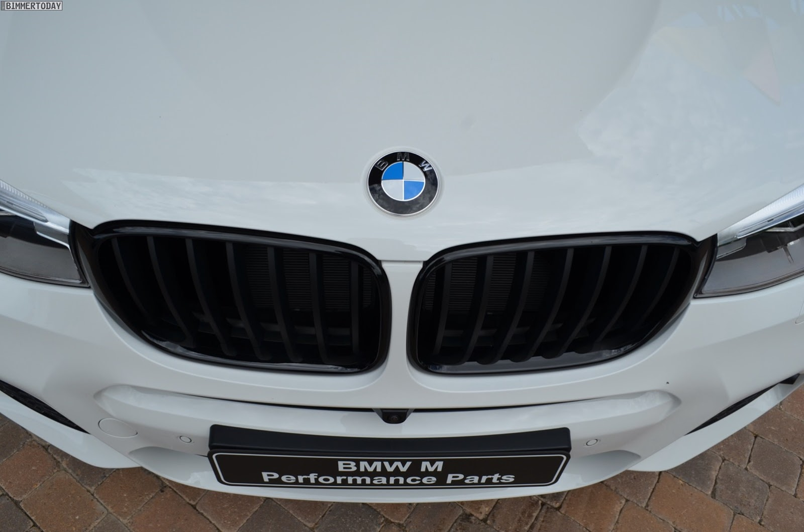 BMW-X4-M-Performance-Parts-4[2]